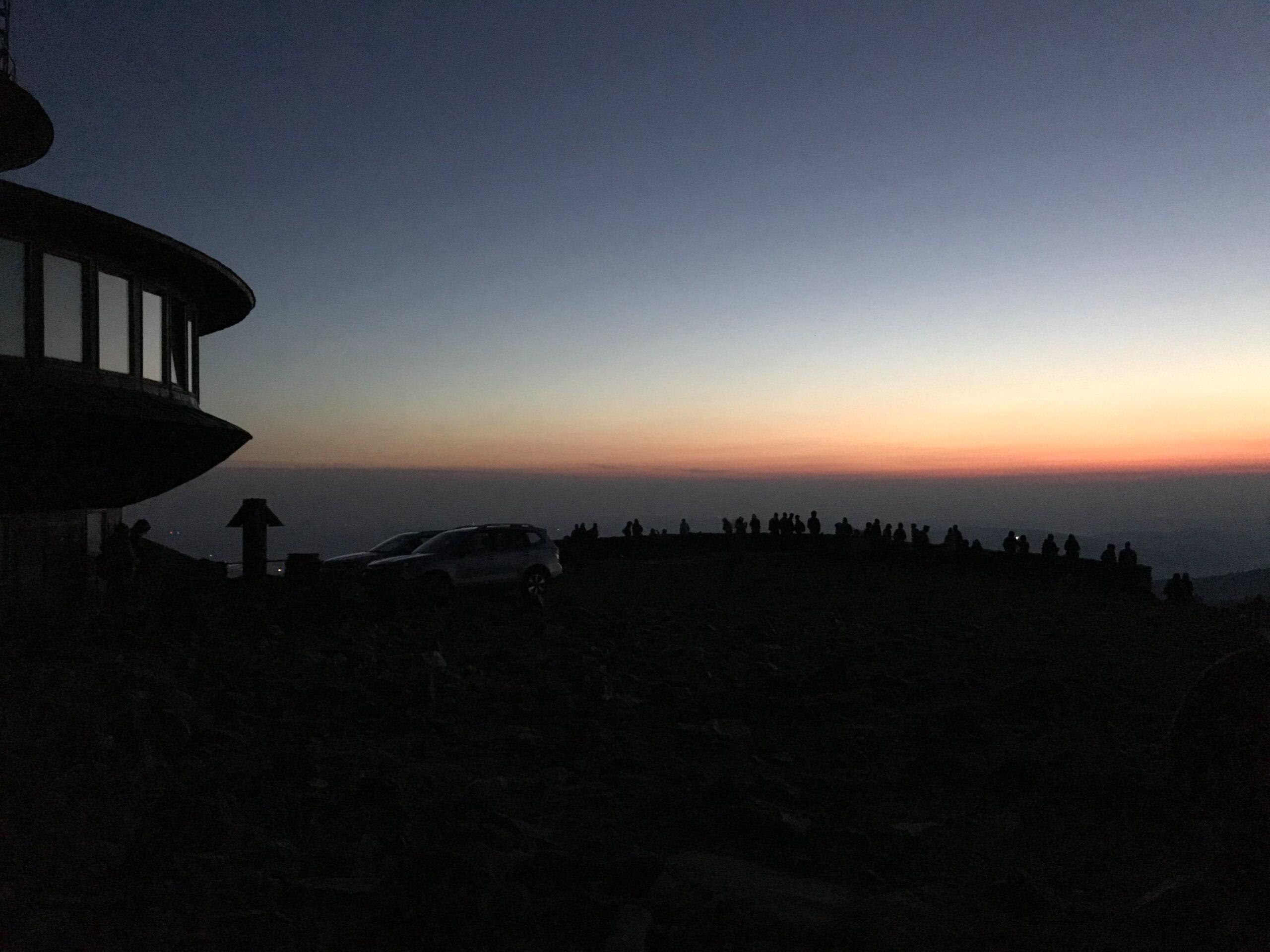 Východ slunce na Sněžce - Krkonoše - Jiráci na cestách